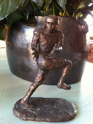 Sculptures/footballer2.jpg